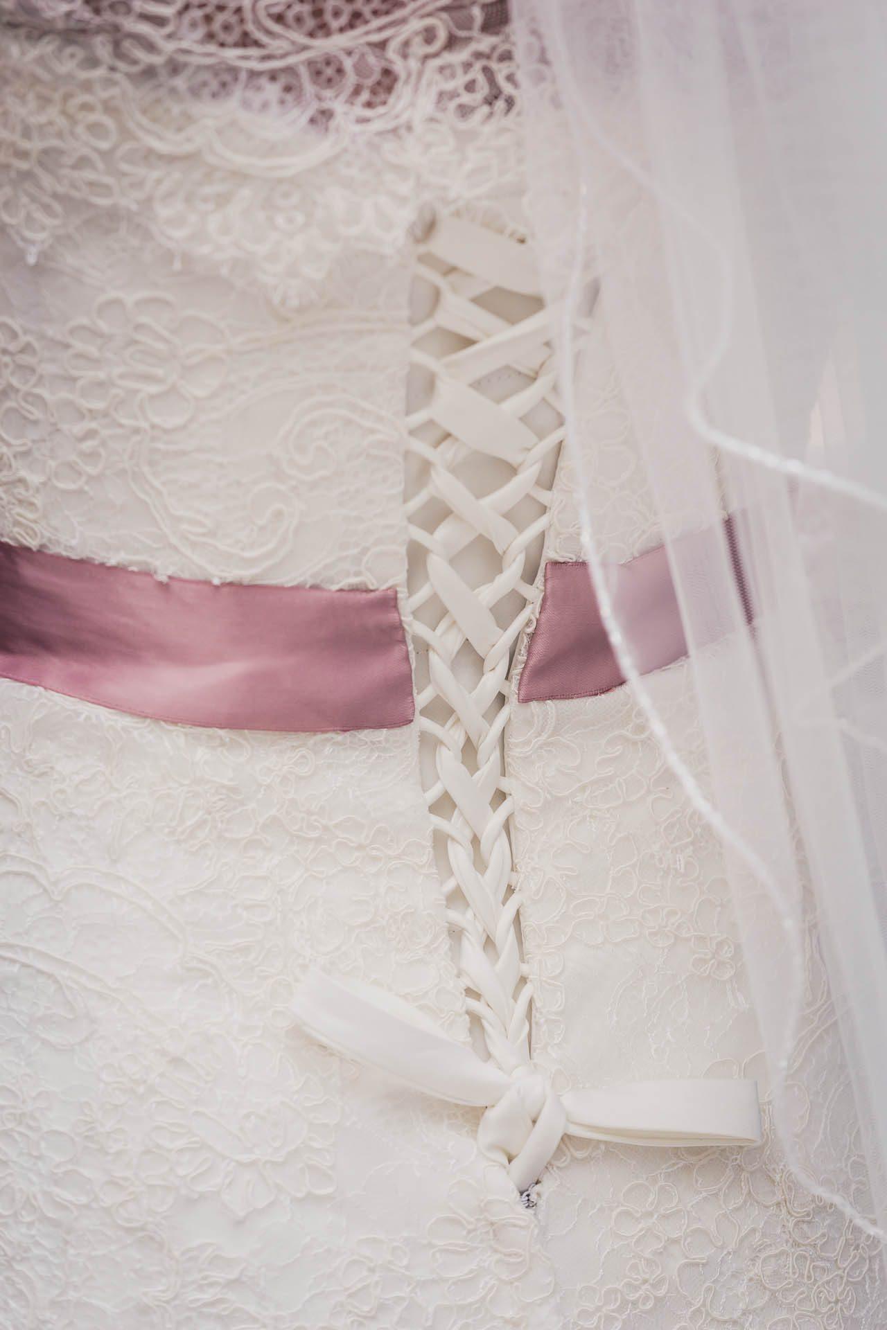 Brautkleiddetails Hochzeit in Velbert
