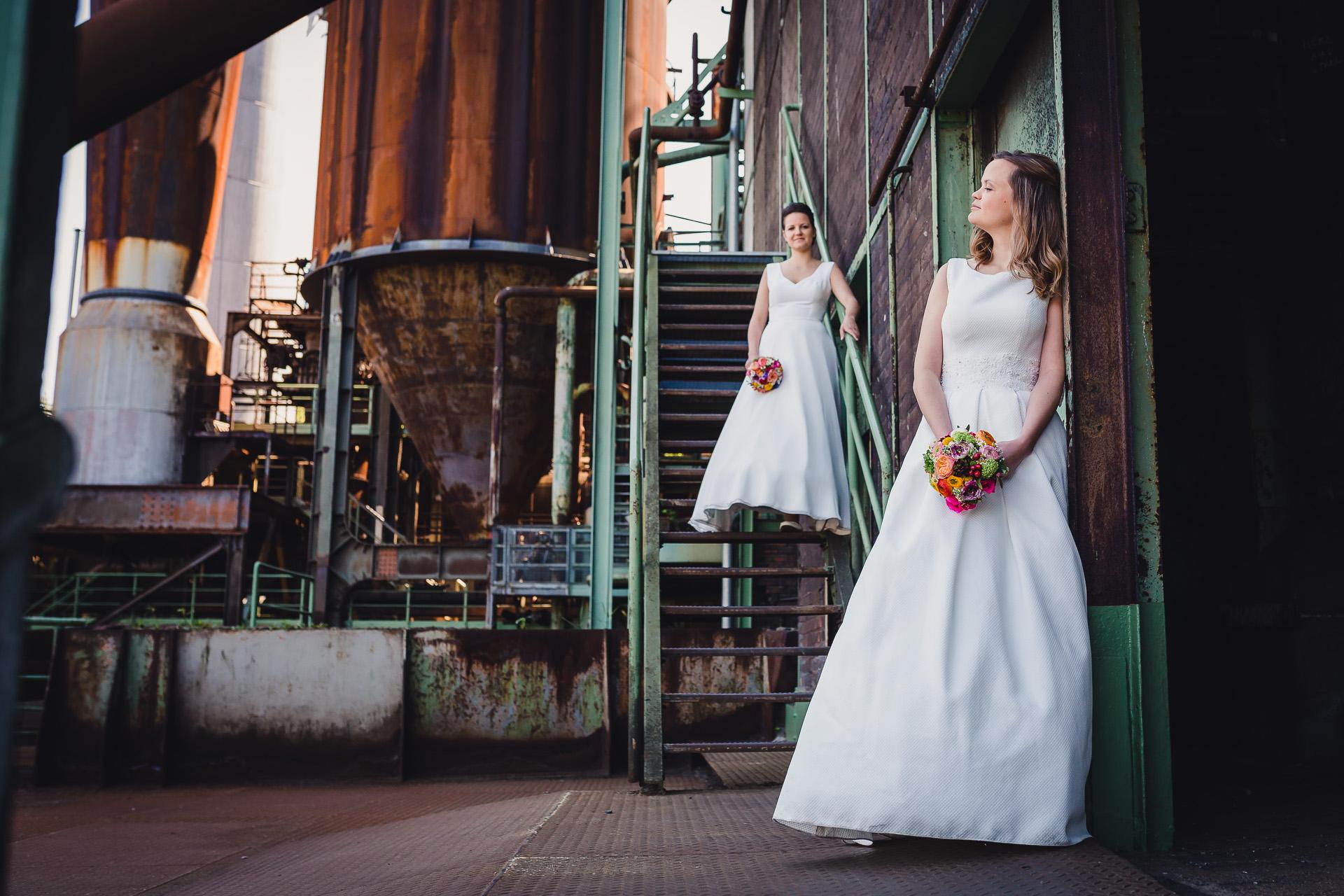 Hochzeitsfotograf Ruhrgebiet - Hochzeitspaar LWL Museum Henrichshütte Hattingen