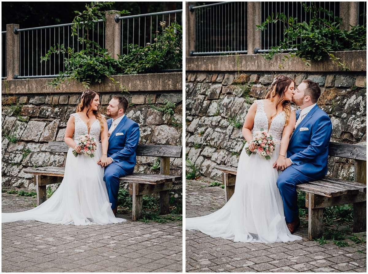 Hochzeitsfotograf Bochum Sommerhochzeit Corona draussen freie Trauung Kemnader See Seeblick Bochum Brautpaarfotos Brautpaarshooting