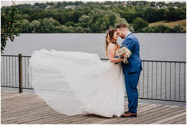 Hochzeitsfotograf Bochum freie Trauung Kemnader See Brautpaarshooting
