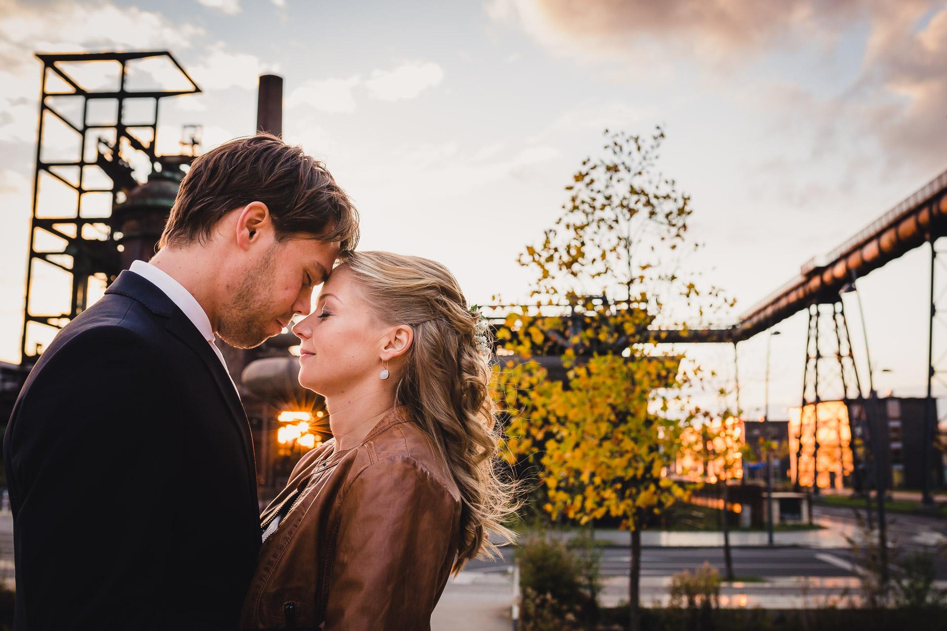Hochzeitsfotograf Dortmund Hochzeitsfotos Brautpaar Fotoshooting Phoenix West Dortmund